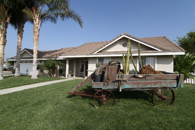 4211 Valley View Ave , Norco